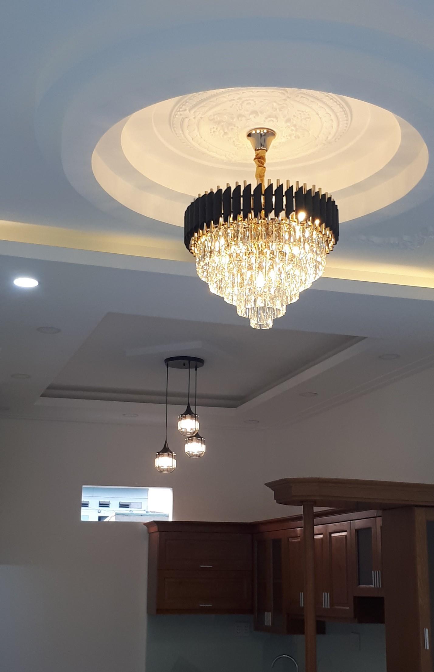 den chum pha le cfl 2233 1 - 10 mẫu đèn đẹp hiện đại thả phòng khách giành cho năm 2020