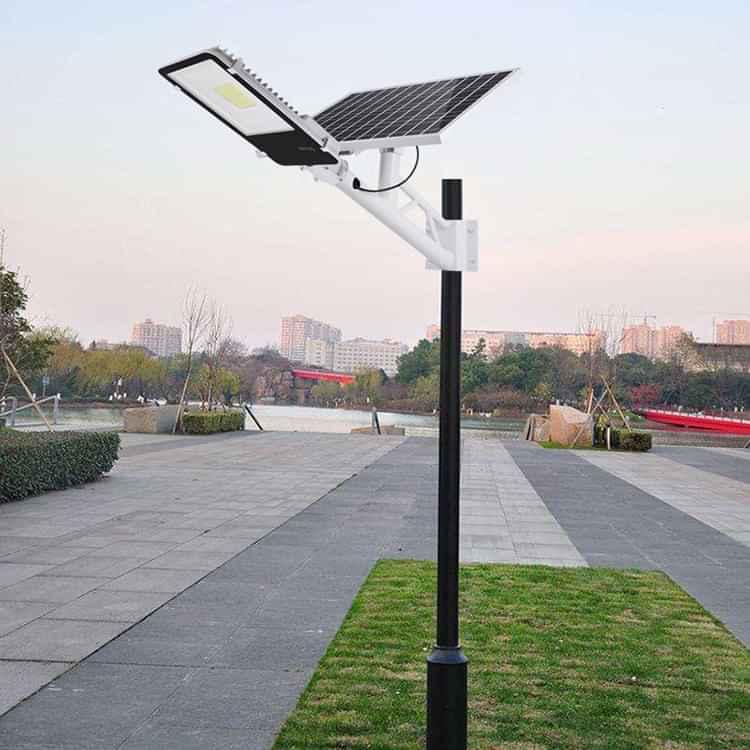 den nang luong mat troi 8 - Để tiết kiệm chi phí nên sử dụng đèn năng lượng mặt trời