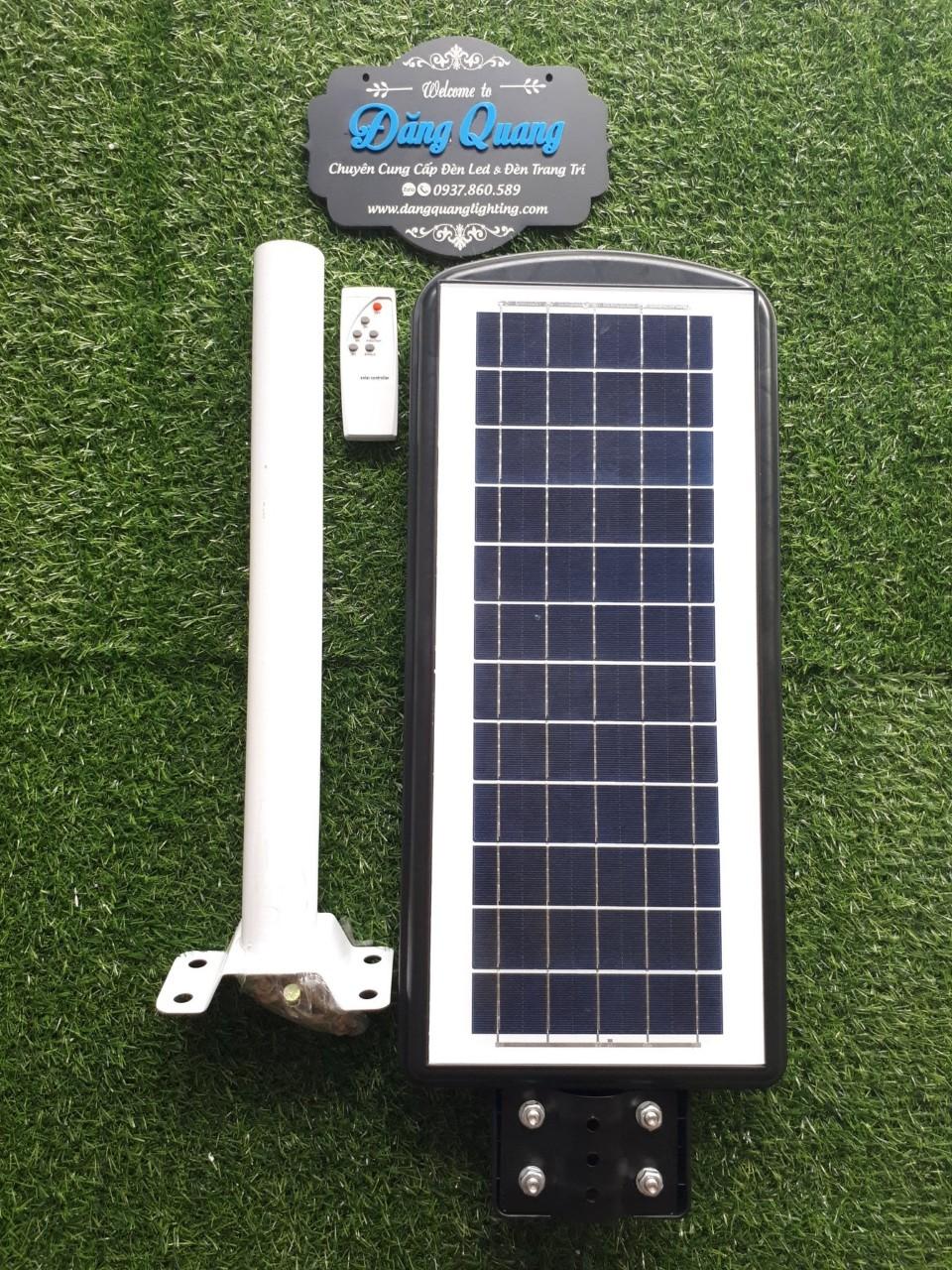 den nang luong mat troi lien the 90W 1 - Đèn năng lượng mặt trời liền thể 90W