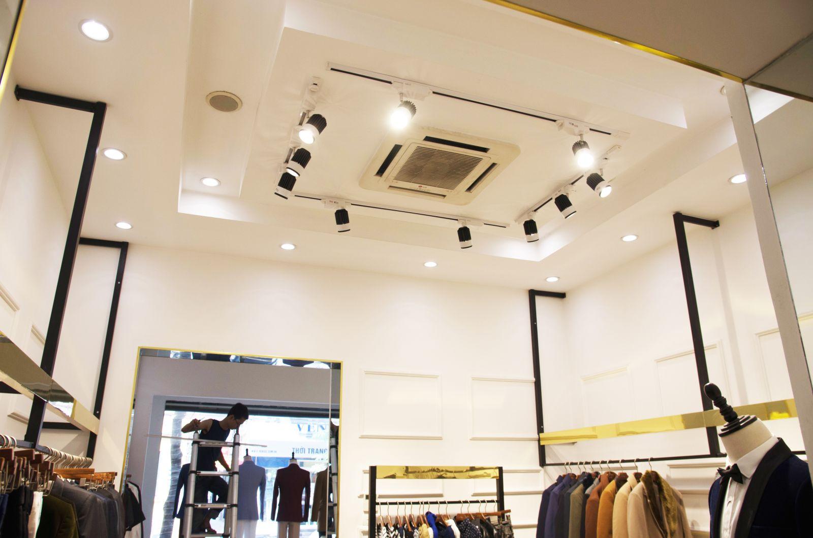 den am tran va den roi - Kinh nghiệm chọn đèn Led cho Shop quần áo tốt nhất.